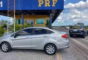 PRF recupera na PB veículo roubado em PE que estava circulando clonado