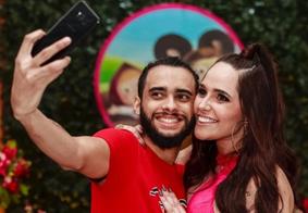 "Ex-marido de Perlla manda indireta na web: ""Cobra mata abraçando"""