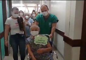Após 109 dias, idosa recebe alta da Covid-19 em João Pessoa