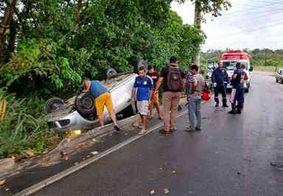 Motorista perde controle da direção e sofre acidente em João Pessoa