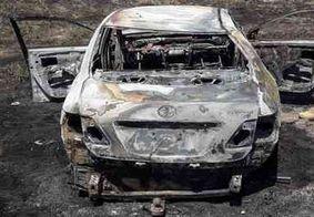 Na PB: Carro capota, pega fogo e condutor sai ileso