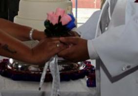 Após casamento, noivo morre e mais de 100 convidados são infectados com coronavírus