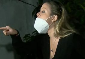 Vídeo   Médica ofende equipe de reportagem em festa clandestina
