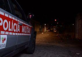 Homem é executado a tiros na frente de amigos em rua de João Pessoa