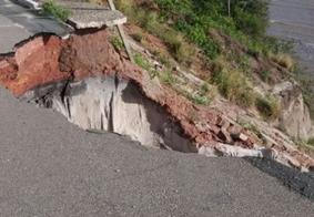 Após fortes chuvas, novo deslizamento é registrado em ponto turístico de João Pessoa