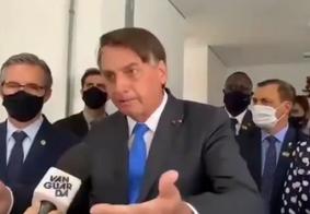 Presidente Jair Bolsonaro se irrita com pergunta e manda repórter calar a boca