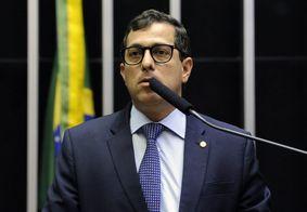"""""""Bolsonaro é debochado, atrapalhado e irresponsável"""", diz deputado federal à Jovem Pan"""