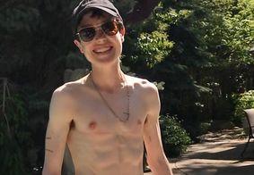 Elliot Page publica foto sem camisa após transição de gênero