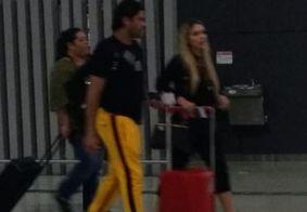 Hulk Paraíba é visto embarcando para a China ao lado da nova namorada; veja