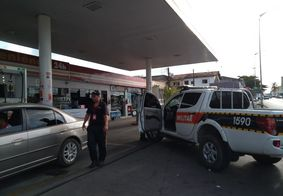 Após colidir em posto de gasolina, motorista suspeito de embriaguez é preso em João Pessoa