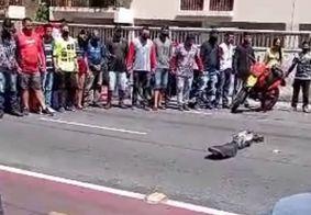 Motoboys fazem protesto após morte de entregador em acidente em JP