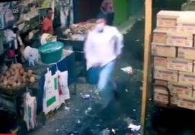 Polícia prende dupla suspeita de assassinar vigilante na feira central de Campina Grande