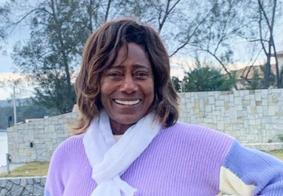 Gloria Maria comemora recuperação de cirurgia