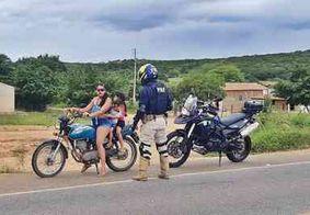 PRF flagra mais de 100 infrações em fiscalização de motocicletas no interior da Paraíba