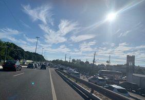 Provas do concurso de JP para quase 50 mil pessoas acontecem neste domingo (13) e causam congestionamento