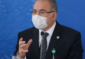 Marcelo Queiroga se irrita com pergunta de jornalista e encerra entrevista