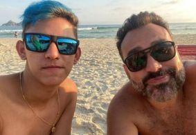 Jornalista da Record assume namoro com rapaz 26 anos mais novo