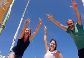 Família catarinense que percorre o Brasil em um trailer chega à PB; veja
