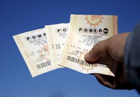 """Bombeiro que repetia aposta em loteria, não jogou e """"perdeu"""" quase R$ 10 milhões"""