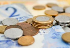 Bolsonaro sanciona lei que estabelece salário mínimo de R$ 1.045 neste ano