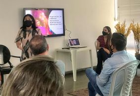 A biomédica Milena Saavedra foi a responsável pela palestra