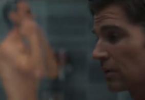 Roteirista revela se corpo nu que aparece em Sex/Life é do ator Adam Demos; veja
