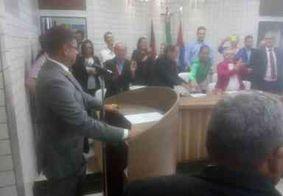 Vereadores elegem mesa diretora e Vítor Hugo assume comando de Cabedelo