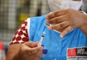 Saiba quem pode se vacinar contra a Covid-19 nesta quinta-feira (23)