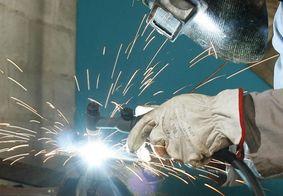Indústria brasileira cresce 0,8% de março para abril
