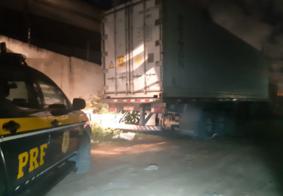 PRF prende quatro assaltantes e recupera carga avaliada em R$168 mil, na Grande João Pessoa