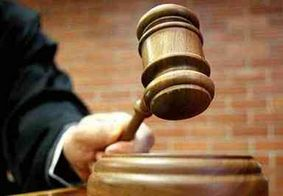 Réu é morto durante julgamento; atiradores se disfarçaram de advogados