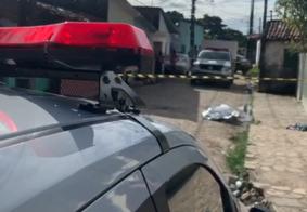 Homem é morto e primo fica em estado grave após ataque a tiros em comunidade de JP