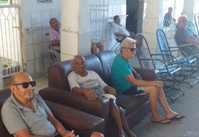 Abrigo busca voluntários para apadrinhar idosos no Natal