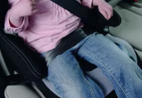 Menina de quatro anos é esquecida dentro de carro por avó em João Pessoa