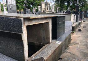 Túmulos foram violados pelos criminosos