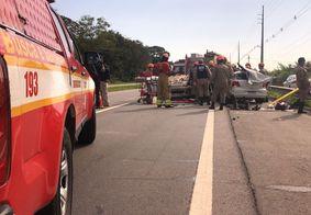 Vítimas foram socorridas por ambulâncias do Samu e Bombeiros.