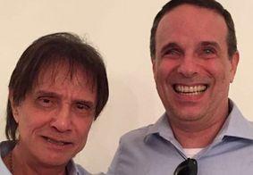 Roberto Carlos agradece carinho de fãs