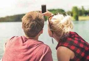Fotos de casal em excesso nas redes sociais pode ser um sinal negativo
