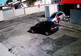 Mulher derruba muro ao tentar fugir de assalto em João Pessoa; VÍDEO