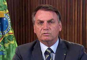 Bolsonaro ataca Bonner novamente e chama jornalista de 'cara de pastel'