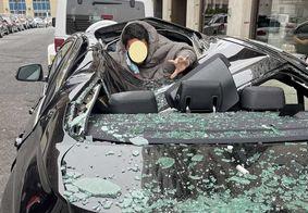Homem cai de 9º andar em cima de BMW e sai ileso; veja